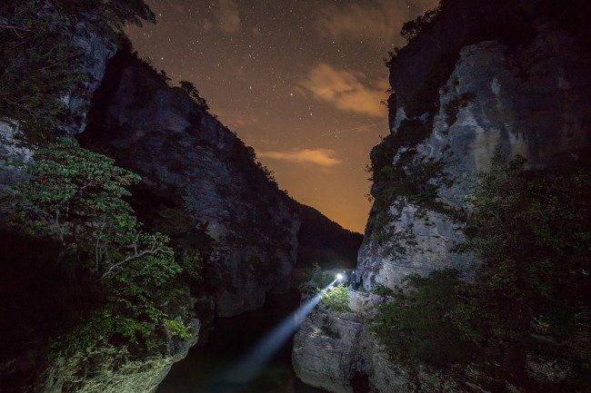 Noční průzkum kaňonu