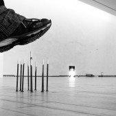 Hypermoderní umění (bota nebyla součástí expozice)