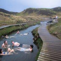 Horká řeka Reykjadalur - příjemný závěr cesty po Islandu.