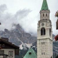 Cortina d'Ampezzo - strategicky umístěné městečko přímo v centru Dolomit