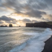 Dyrhólaey - sopečná pláž a útesy