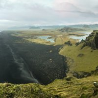 Dyrhólaey - výhled z útesu