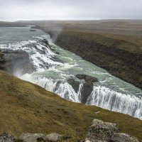 Gullfoss -  obrovské kaskády padající vody