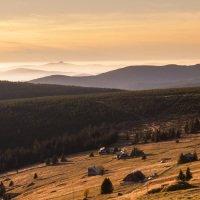 Západ slunce za Výrovkou - výhled na Ještěd