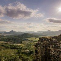 Výhled ze zříceniny hradu Kamýk