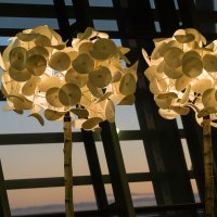 Stylové osvětlení na letišti v Keflaviku