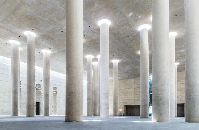Berlínské kramatorium - prostor, světlo, ticho a do toho kapky vody