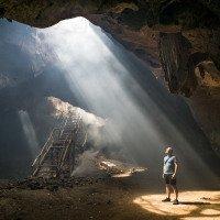 jeskyně netopýrů Bangkang aneb to co mi zrovna kaplo na hlavu asi není voda :)
