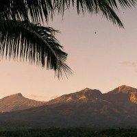 Lombok - sopka Rinjani bohužel jen zespoda. Výstup na vrchol s průvodci je hodně drahý.
