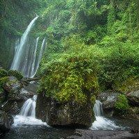 Vodopád Sendang Gile - cesta sem není moc značená, dvakrát musíte přebrodit řeku. Místní vám doporučí průvodce :)
