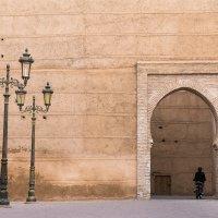 V Marakéši je spousta hradeb a bran