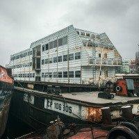 Zchátralá výletní loď
