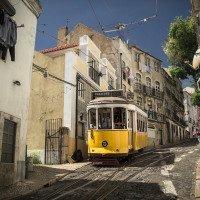 Žluté tramvaje jsou jednou z ikon Lisabonu