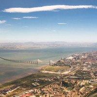 Je to nejdelší most v Evropě, měří 17 km